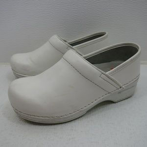 Dansko XP Professional White Leather Clogs 36